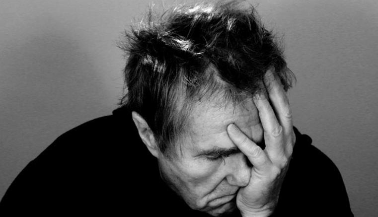 Cómo curar un dolor de muelas con remedios caseros